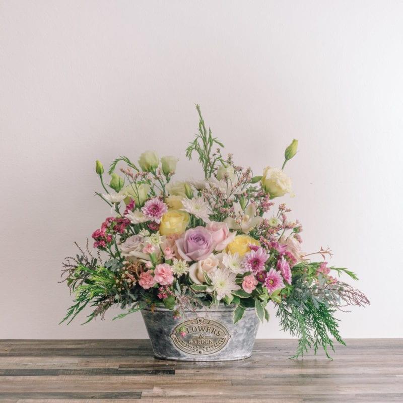 cottage arrangement
